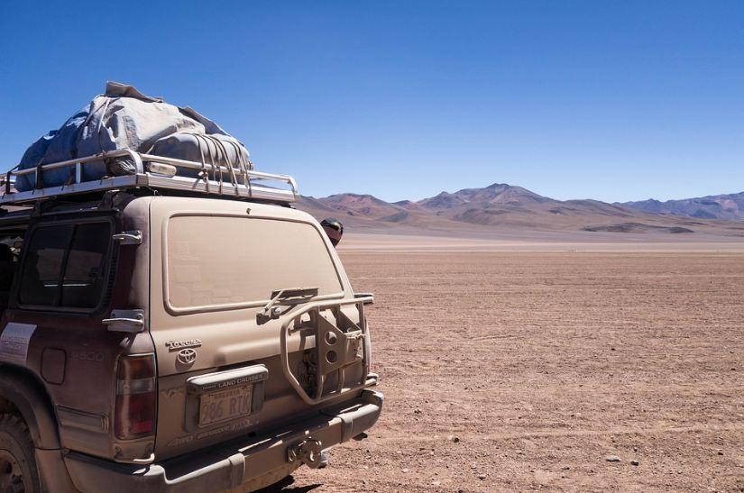 desert, dusty car, mountains